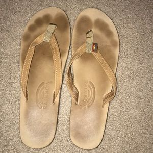 Light tan Rainbows (good condition)